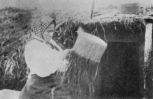 1904-making-an-attu-basket