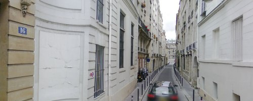paris-narrow-street