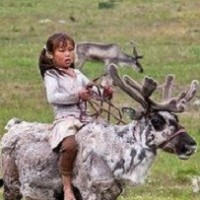 young-girl-reindeer-200x200