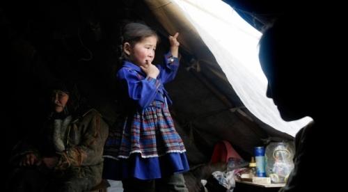child-tent-door