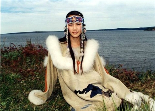 chukchi-woman-lake