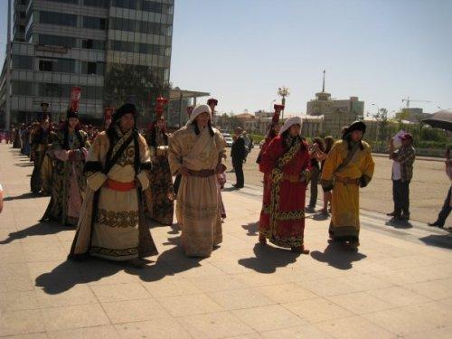 mongolian-costume