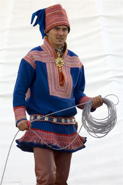 man_in_sami_norwegian_national_costume