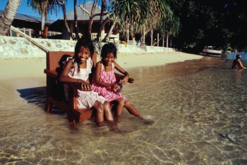 Marshall-Islands-kids