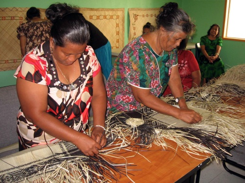 Marshall-Islands-weaving