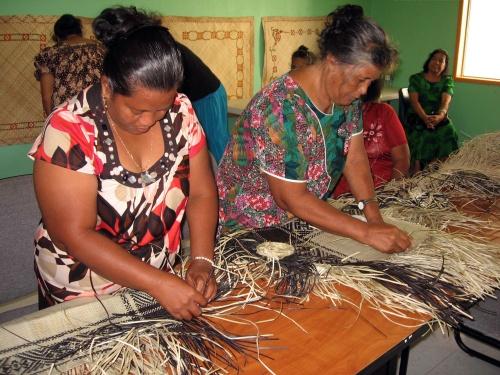 Marshall-Islands-weaving
