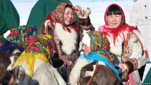 nenets-women-spring-festival