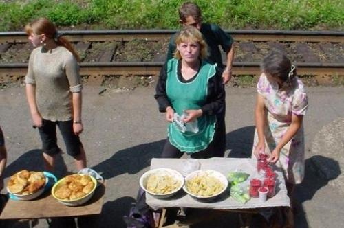 Trans-Siberian-Food-Vendors